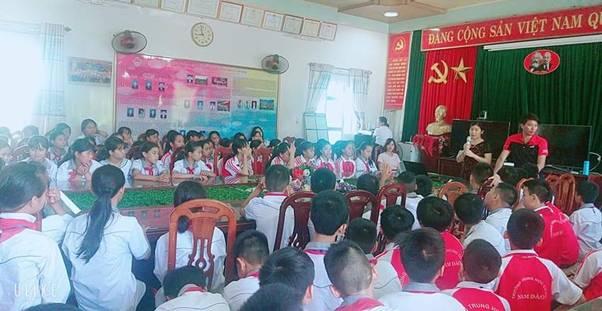 Tuyên truyền phòng chống bạo lực học đường trường THCS thị trấn Nam Giang năm học 2020-2021
