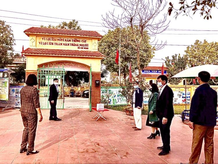 Lãnh đạo Phòng Giáo dục và Đào tạo huyện Nam Trực Kiểm tra công tác phòng, chống dịch bệnh và phát động Tết trồng cây mùa xuân tại các trường